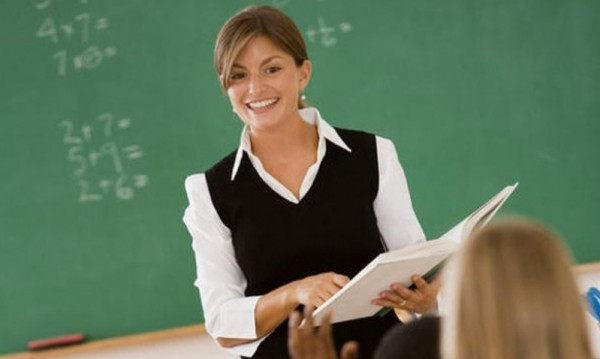 Намаляват норматива по предмети, заплатите на учителите – същите