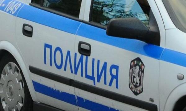 Две фамилии на нож в ромска махала, камъни летят по патрулка