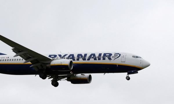 Спипаха пасажер с бомба, Ryanair му позволи да лети пак