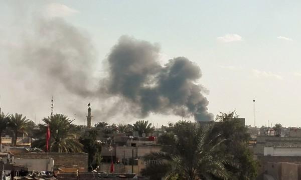 Най-малко 55 загинали при атентат на ИД в Багдад