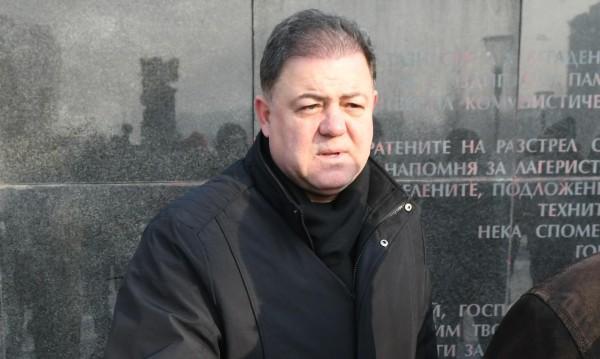 """Ненчев се оплака от чистка, """"удрял"""" го и президентът"""