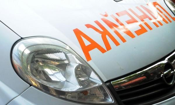 Кола се заби в камион на Е-79, загина млад мъж