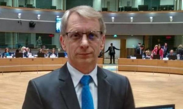 Денков настоява: Парите за наука от ЕС са замразени