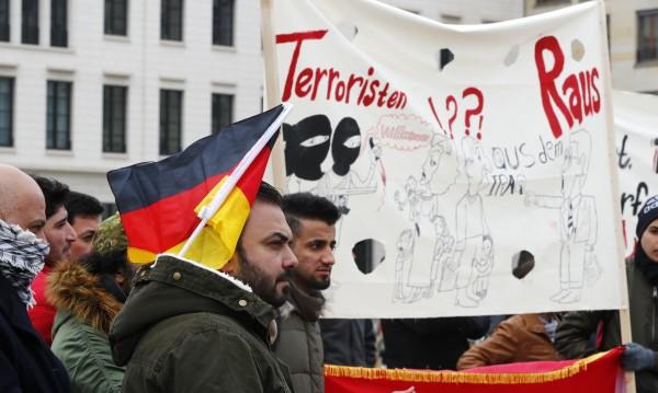 Убежище ли? Германия планира масова депортация на бежанци