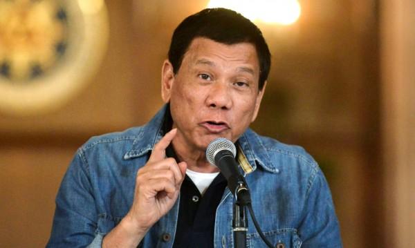 Бивш филипински полицай: Дутерте плащаше за убийства!