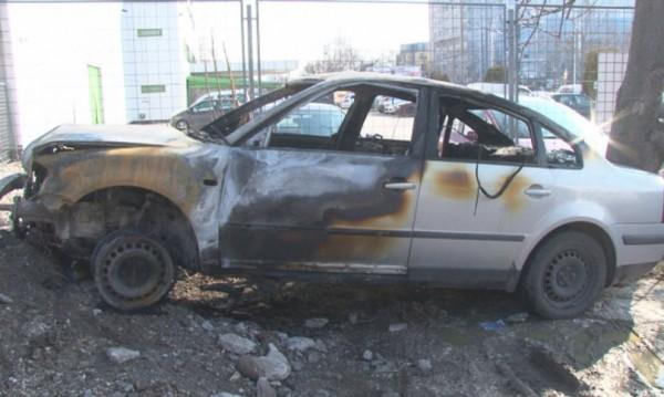 Екшън в Пловдив: Шофьор удря, бяга, пали...