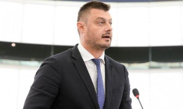 Бареков приключи с изборите, оттегля се