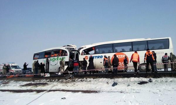 Пътен ад в Турция: Осем загинали в ПТП, 28 ранени