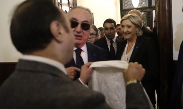 Марин льо Пен отказа да се забули за среща с мюфтия