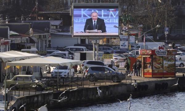 Надигра ли Путин всички с анексията на Крим?