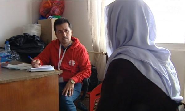 """Бежанци помагат на бежанци: Иракчанинът Мунип от """"Военна рампа"""""""
