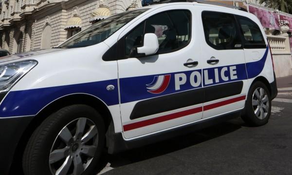 Трима заподозрени за тероризъм арестувани във Франция