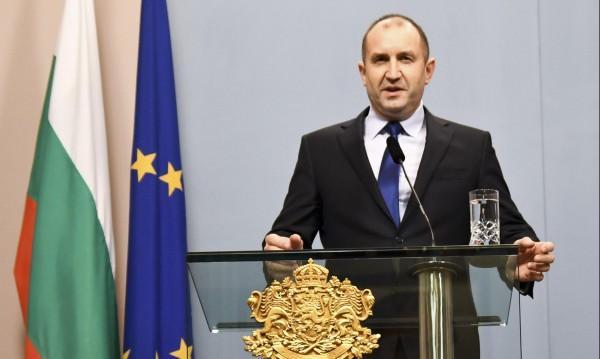 """И Радев за НАТО: Спекулации на тема """"сигурност"""" преди вота"""