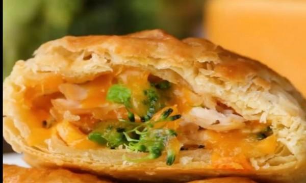 Рецептата Dnes: Малки пици калцоне с бутер тесто