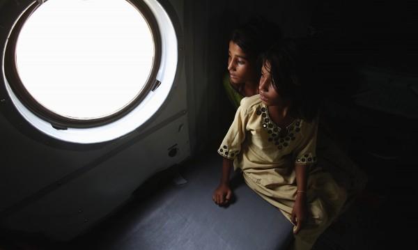 Пред съда в Гърция: Французин, блудствал с деца мигранти
