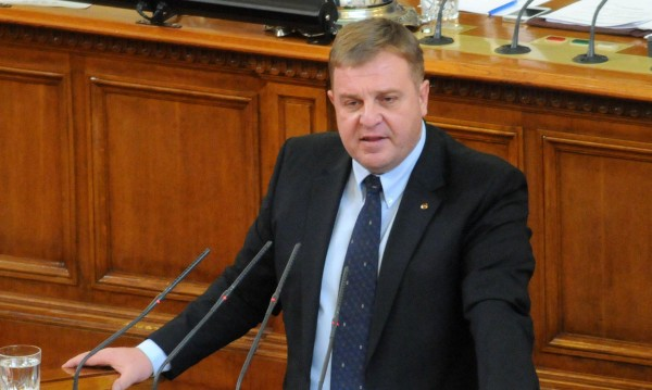 Каракачанов се застъпи зад сваления главсек на МВР