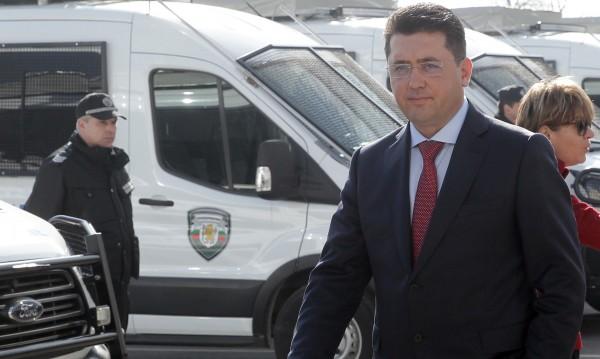 """МВР-шефа на разпит: """"Натискал"""" ли е Костов да си ходи"""