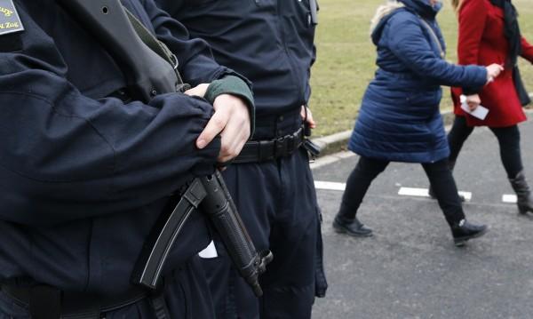 Хванаха 26-годишен мъж в Германия, готвел атентат