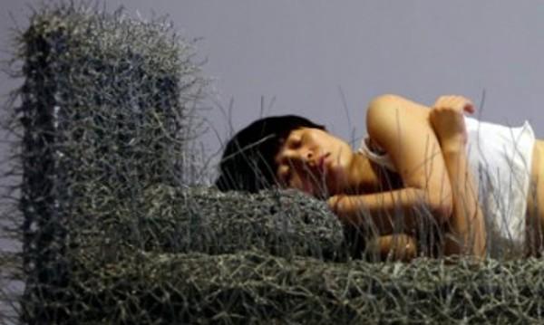 Позицията на сън с партньора разкрива отношенията ви