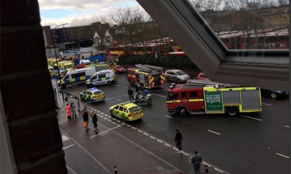 Кола помете пешеходци в Лондон, петима ранени