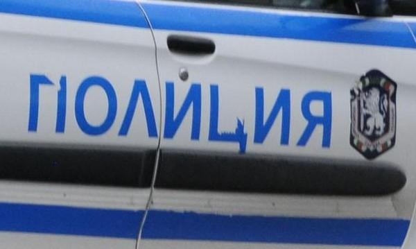 """Самоубиец """"полетя"""" от 13-ия етаж на блок в Бургас"""