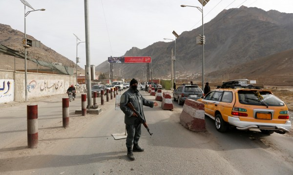 Афганистански полицай застреля 11 свои колеги