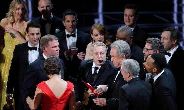 """Гаф след гаф на """"Оскар""""-ите, а рейтингът – нисък"""