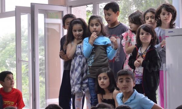 7 деца дневно минават границата ни, сами! Съдбата им – неясна