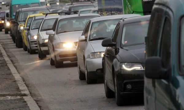 Време е за път: Над 100 000 коли напускат София