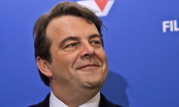 Говорителят на Франсоа Фийон подаде оставка