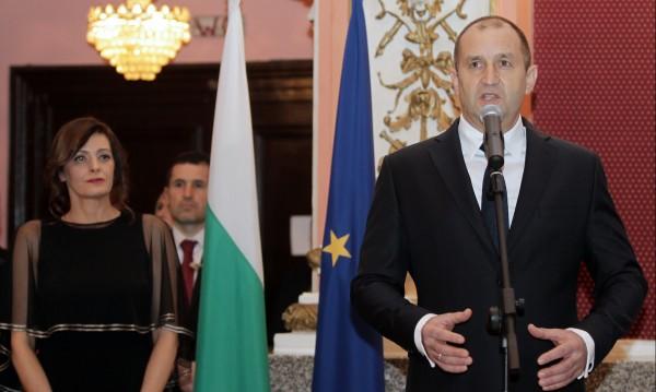 Радев обеща: С общите усилия ще направим България достойна