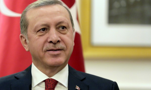 Ердоган на нож: Германия подслонява терористи!
