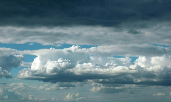 Седмицата започва с облаци, дъжд и вятър