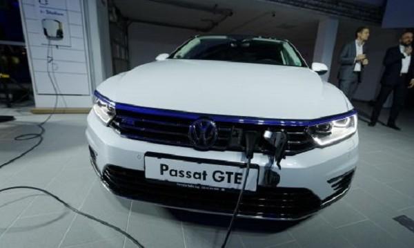 Празник на електричеството: Представиха Passat GTE и у нас