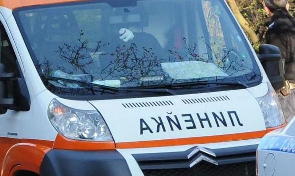 Дете е ранено в катастрофата на линейка и кола в София