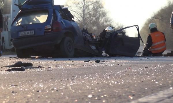 Шофьорът на колата - виновен за пътния ад край Пазарджик
