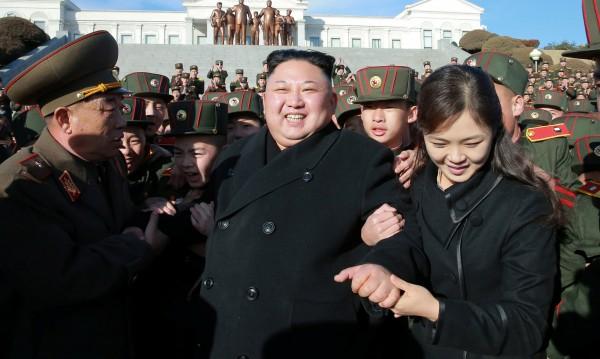 САЩ стягат военните редици срещу ракетите на Пхенян
