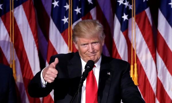 Доналд Тръмп посрещна първите туристи в Белия дом