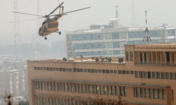 Нападнаха най-голямата военна болница в Афганистан