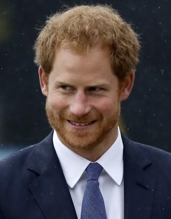 Принц Хари си обръсна гърдите, заради Меган
