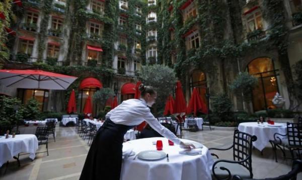 Обучението на служителите в скъпите хотели става все по-важно
