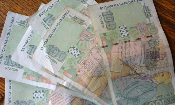 Крадци свиха 33 000 лева и злато от къща в Благоевградско