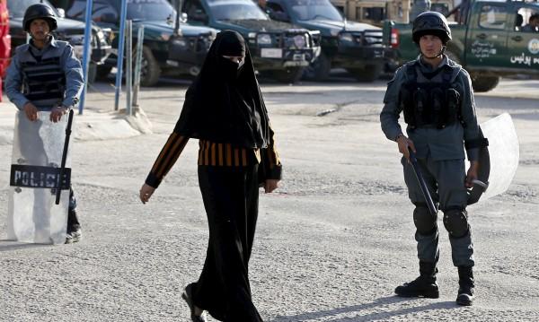 Заради извънбрачна връзка: Убиха жена в Афганистан