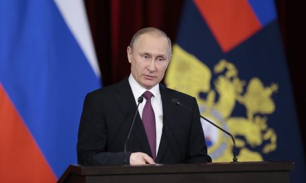 Владимир Путин уволни 10 генерали от правораздаването