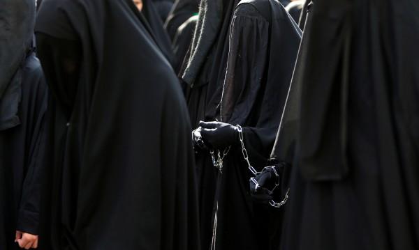 Швейцарският парламент против забраната на бурките