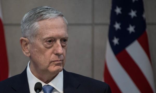 Пентагонът с мерки заради голи снимки на жени военни
