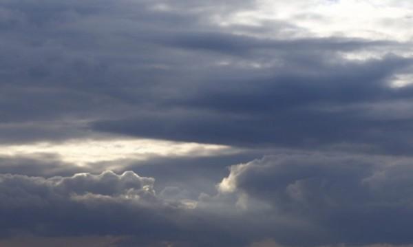 И днес ще вали, но по-слабо, температурите между 6° – 11°