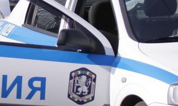 Полицейски автомобил пламна край Симитли