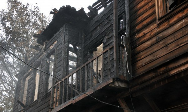 Последно: 12 г. затвор заради пожара с три трупа в Созопол