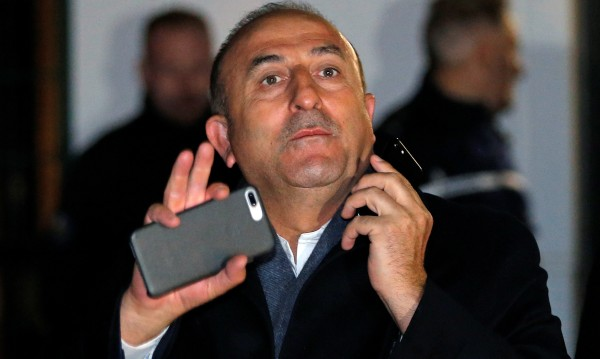 Холандия спря още един турски министър, Франция пусна друг